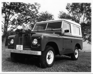 1971-Land-Rover-Deluxe-Hardtop-Factory-Photo